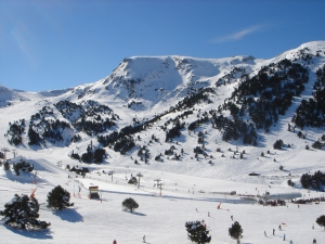 Grandvalira_ski_resort,_Andorra5